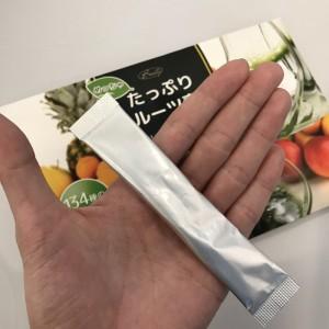 めっちゃたっぷりフルーツ青汁の包