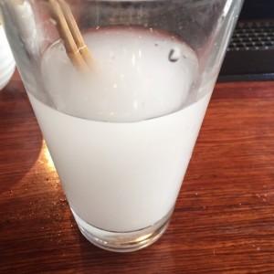 ノンメタファイバーを混ぜ終わった状態の水