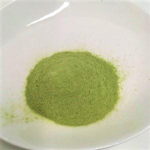 ヘルスマネージ大麦若葉青汁難消化性デキストリンの粉末をさらに出した様子