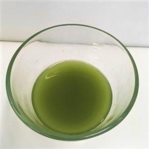 ヘルスマネージ大麦若葉青汁難消化性デキストリンのドリンクを上から見た様子